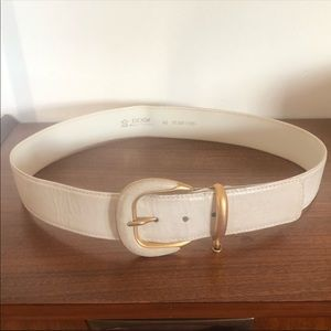 Escada | Vintage White / Gold Leather Belt